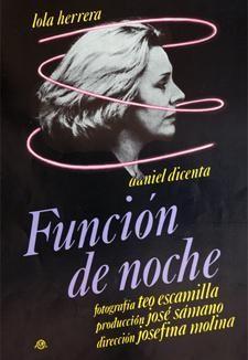 Imagen de portada de CON FALDAS Y A LO LOCO