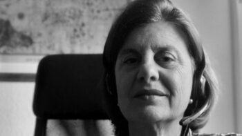 Imagen de portada de AURORA BUENO CAVANILLAS, «UNA SALUD 'ÚNICA', 'PÚBLICA' Y 'GLOBAL'. EL FUTURO MÁS ALLÁ DEL APLAUSO»