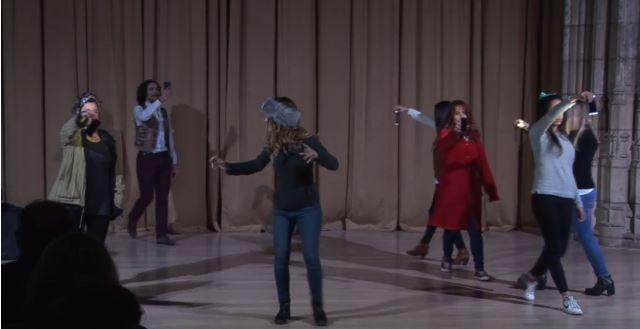 Imagen de portada de Noche en blanco. Performances de los talleres de Danza y de Interpretación del Aula de Artes Escénicas