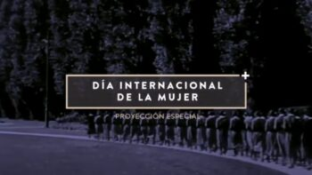 Imagen de portada de Proyección especial – Muchachas de uniforme