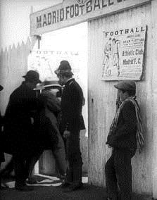Imagen de portada de Peladilla va al fútbol (1914)