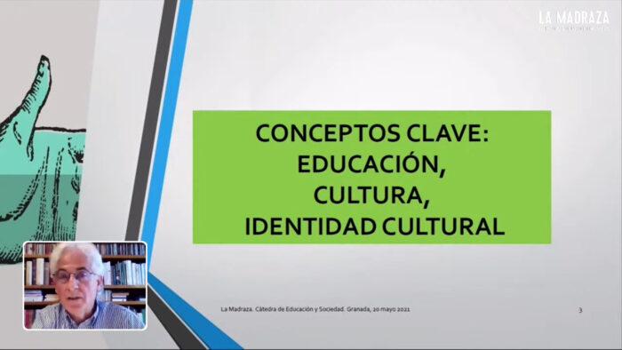 Imagen de portada de DERECHO A LA EDUCACIÓN E IDENTIDAD CULTURAL
